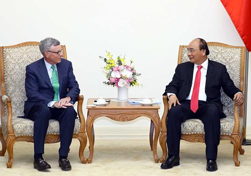 Ông Al Kelly -  Giám đốc điều hành của Visa gặpThủ tướng Chính phủ Nguyễn Xuân Phúc.