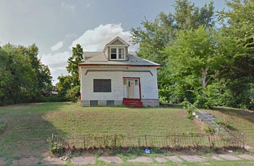 Một căn nhà bỏ hoang ở St. Louis. Ảnh: Google Maps