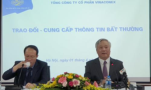 Ông Đào Ngọc Thanh, Chủ tịch HĐQT Vinaconex trong cuộc họp ngày 1/4. Ảnh: Nguyễn Hà