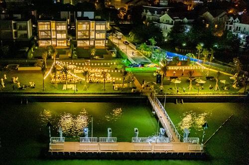 Khu biệt thự có bến du thuyền, công viên ven sông phù hợp tổ chức những buổi tiệc nhẹ, gắn kết cộng đồng cư dân thượng lưu.