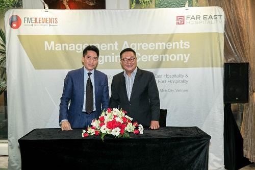 Ông Arthur Kiong (phải) - Giám đốc Điều hành Tập đoàn Far East Hospitality ký kết hợp tác cùng ông Trần Thanh Hải - Chủ tịch 5 Elements Development.