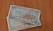 Ngân hàng đòi nợ khách 196 đồng