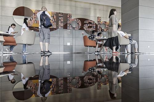 Bên trong trụ sở của Alibaba ở Hàng Châu (Trung Quốc). Ảnh: Bloomberg