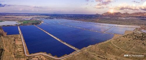 Ninh Thuận là một trong những địa phương thu hút đầu tư lớn trong lĩnh vực năng lượng tái tạo.