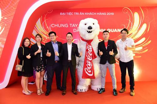 Sự kiện tri ân khách hàng năm 2019 của Coca-Cola với chủ đề Chung tay kết nối - dẫn lối vinh quang.