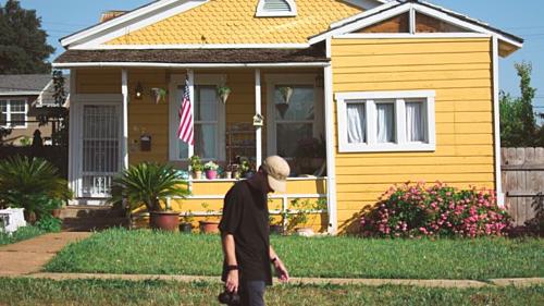 Mua nhà là mục tiêu của rất nhiều người Mỹ. Ảnh: CNBC