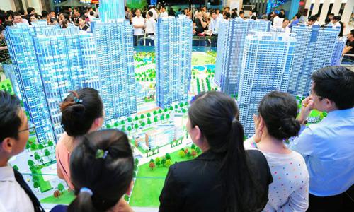 Thị trường bất động sản được cho là thiếu hụt nhân sự chất lượng. Ảnh: K.H