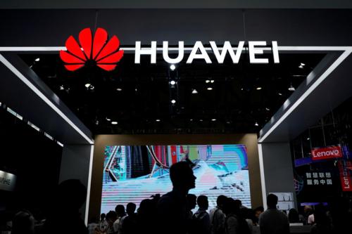 Gian hàng của Huawei tại triển lãm công nghệ CES năm ngoáiở Trung Quốc. Ảnh: Reuters