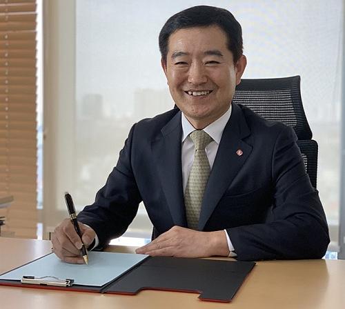 Ông Kim Jong Geuk, Tổng giám đốc Lotte Finance.