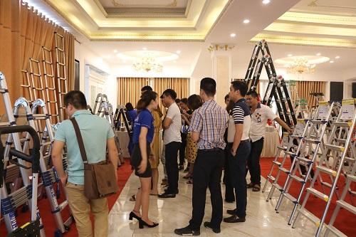 Nhiều dòng thang nhôm Nikawa được giới thiệu tại Hội nghị khách hàng ngày 20/4