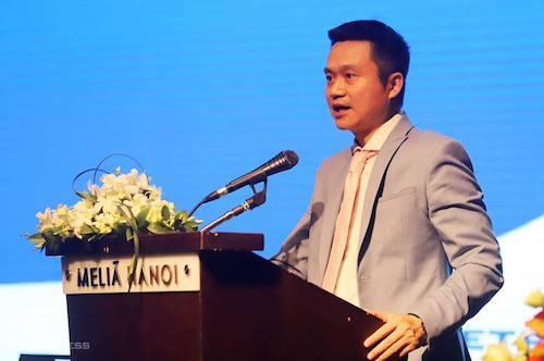 Chủ tịch Petrolimex Phạm Văn Thanh trả lời cổ đông tại cuộc họp đại hội cổ đông ngày 26/4. Ảnh: N.M