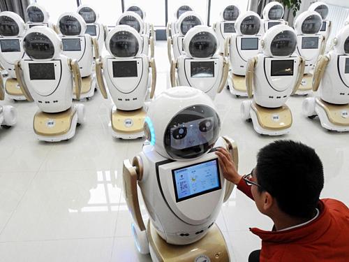 Robot đang ngày càng phổ biến trong nhiều lĩnh vực. Ảnh: AFP