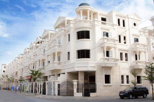 18 căn góc nhà phố thương mại được CityLand xây sẵn.