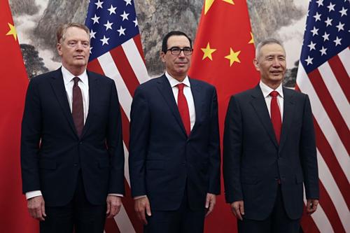 Ông Robert Lighthizer, Steven Mnuchin và Lưu Hạc dẫn đầu đoàn đàm phán hai nước. Ảnh: AFP