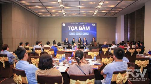 Phần tọa đàm giữa đại diện của FGV (gồm ông Lê Phụng Hào - Phó Chủ tịch và bà Trần Đình Thiên Nga - Tổng Giám đốc), cùng đại diện của Mercan Group, các khách mời.
