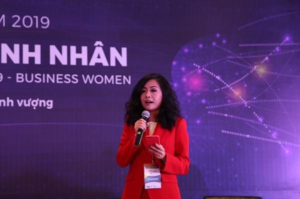 Bà Trần Uyên Phương chia sẻ câu chuyện truyền cảm hứng cho nữ lãnh đạo tại Việt Nam.