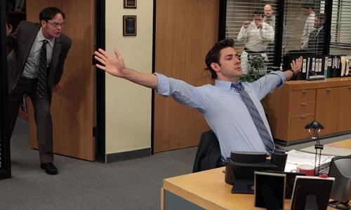 Một cảnh trong series phim The Office của Mỹ. Ảnh: NBC