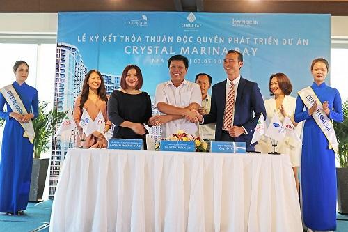 Crystal Bay ký kết độc quyền phát triển dự án Crystal Marina Bay với KW Phúc An và Hoàng Mai Media (xin bài edit)