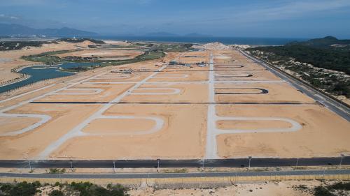 Bãi Dài, Cam Ranh thu hút nhiều dự án lớn vừa sở hữu golf, biển và vui chơi giải trí.