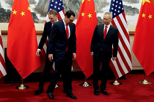 Ông Robert Lighthizer, Steven Mnuchin và Lưu Hạc trong cuộc đàm phán gần đây nhất. Ảnh: AFP