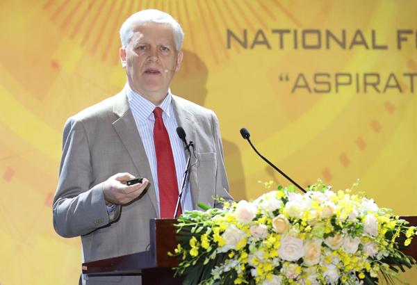 ÔngEric Sidgwick, Giám đốc Quốc gia ADB tại Việt Nam.