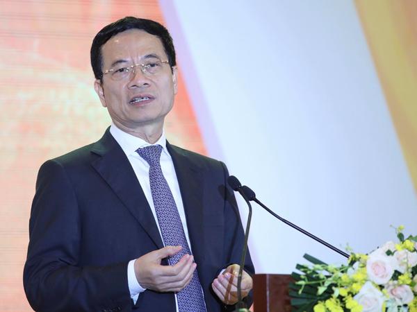 Bộ trưởng Nguyễn Mạnh Hùng cho biết sẽ gửi các ý kiến của doanh nghiệp công nghệ lên Thủ tướng.