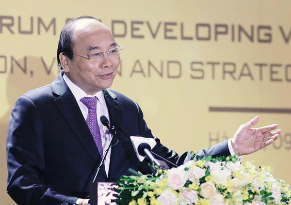 Thủ tướng Nguyễn Xuân Phúc phát triển chỉ đạo.