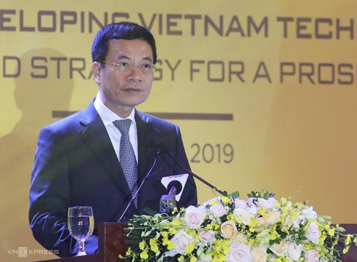Bộ trưởng Thông tin & Truyền thông Nguyễn Mạnh Hùng. Ảnh: Ngọc Thành