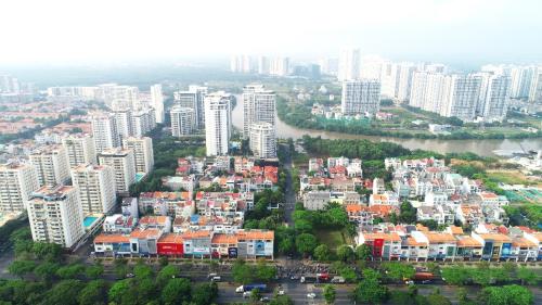 Khu Nam Sài Gòn với nhiều dự án hạ tầng chuẩn bị khởi công, thu hút sự quan tâm của người mua để ởvà đầu tư.