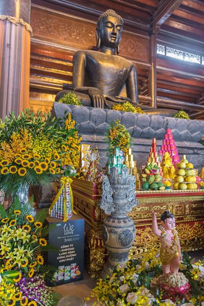 Nước trái cây 100% tự nhiên We Love tại chùa Tam Chúc.
