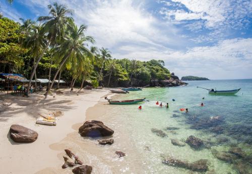Vẻ đẹp thiên nhiên quyến rũ khiến Đảo ngọc Phú Quốc ngày càng trở nên thu hút với du khách trong và ngoài nước