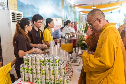 Nước trái cây We Love sẽ phục vụ hơn 1.650 đại biểu quốc tế trong suốt chương trình đại lễ.
