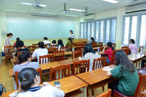 Hơn 1.000 thí sinh thi đánh giá năng lực tại Trường Đại học Kinh tế TP HCM - 1