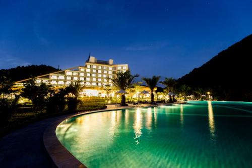 Khách sạn Mường Thanh Luxury Diễn Lâm tiêu chuẩn 5 sao thuộc tổ hợp khu sinh thái Mường Thanh Diễn Lâm.