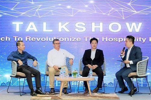 Bên cạnh đó, vào ngày 11/5 tại Ariyana SmartCondotel Nha Trang, hội thảo Cách mạng hóa ngành khách sạn bằng công nghệ đã diễn ra với sự tham gia của các chuyên gia đến từ tập đoàn LG. Chương trình nhằm chia sẻ góc nhìn chuyên môn về các tác động của công nghệ đến ngành nghỉ dưỡng ở Việt Nam, đặc biệt về hệ thống quản trị khách sạn, dữ liệu, trải nghiệm khách hàng cũng như hệ thống cơ sở hạ tầng thông minh.