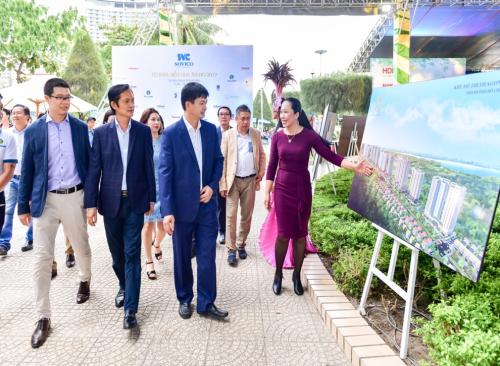 Không chỉ thu hút hàng nghìn khách trong và ngoài nước tham quan trong các ngày diễn ra Festival biển, nhiều khách hàng còn tiếp tục đến tìm hiểu và trải nghiệm gian triển lãm của Phú Long sau đó.