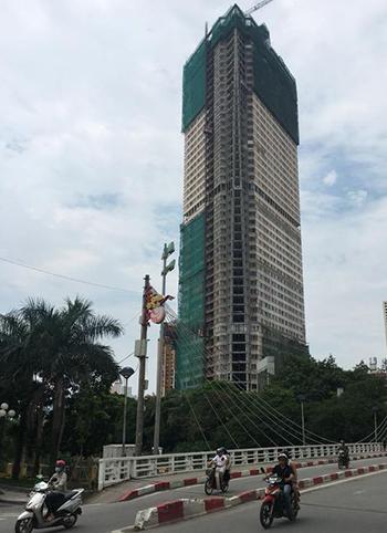Dự án Tháp doanh nhân vẫn đang chưa hoàn tất dù một năm