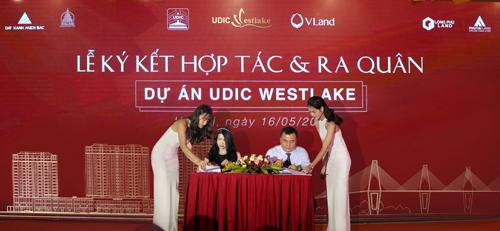 Đại diện UDIC và V-Land ký kết hợp tác.