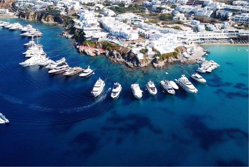 Một góc hòn đảo xinh đẹp Mykonos.