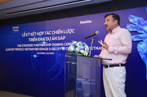 Ông Uday Shankar Sinha - Tổng giám đốc Suntory PepsiCo Việt Nam phát biểu tại buổi lễ ký kết hợp tác chiến lược triển khai dự án SAP S/4 HANA.