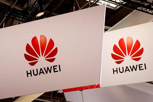 Logo Huawei tại một sự kiện công nghệ ở Paris (Pháp). Ảnh: Reuters