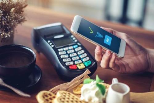 Tại Vinhomes Smart City, cư dân thỏa thích mua sắm mà không cần dùng tiền mặt
