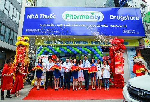 Hai cửa hàng của Pharmacity khai trương hôm 25/5.