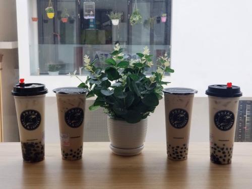 Giới trẻ đổ xô đầu tư cửa hàng trà sữa nhượng quyền