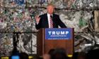 Cuộc chiến thương mại 'dễ dàng' của Trump đang ngày càng khó