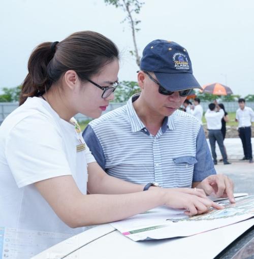 Các lô đất nền tại khu đô thị Vườn Sen được đông đảo khách hàng, nhà đầu tư quan tâm. Hotline: 0888329293.