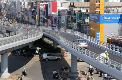 Cầu vượt tăng kết nối giao thông cho quận Gò Vấp.