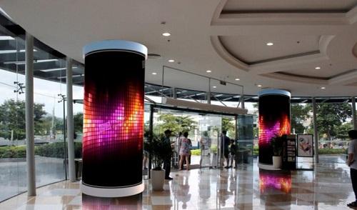 Màn hình LED P3 cong tổng diện tích 28m2được thi công tại Vincom Đà Nẵng.
