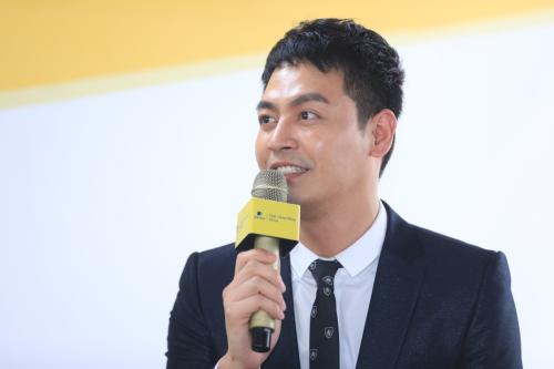 MC Phan Anh là đại sứ của Quỹ Cộng Đồng Aviva. Ảnh: Hữu Khoa.