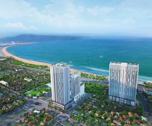 Quy Nhon Melody gồm hai block cao 35 tầng, sở hữu ba mặt tiền đường Nguyễn Trung Tín - Chương Dương - An Dương Vương.